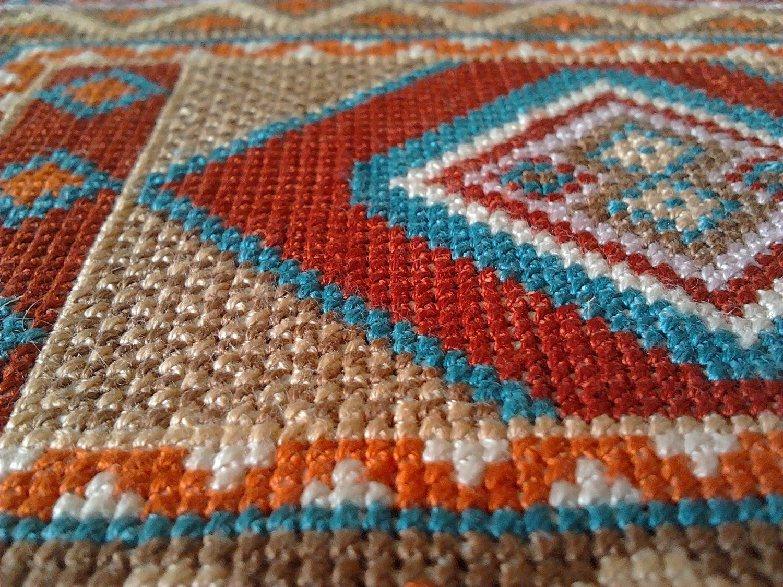 Вышивка крючком ковров